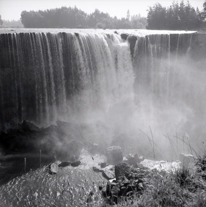 Enterreno - Fotos históricas de chile - fotos antiguas de Chile - Salto del Laja en los años 60s