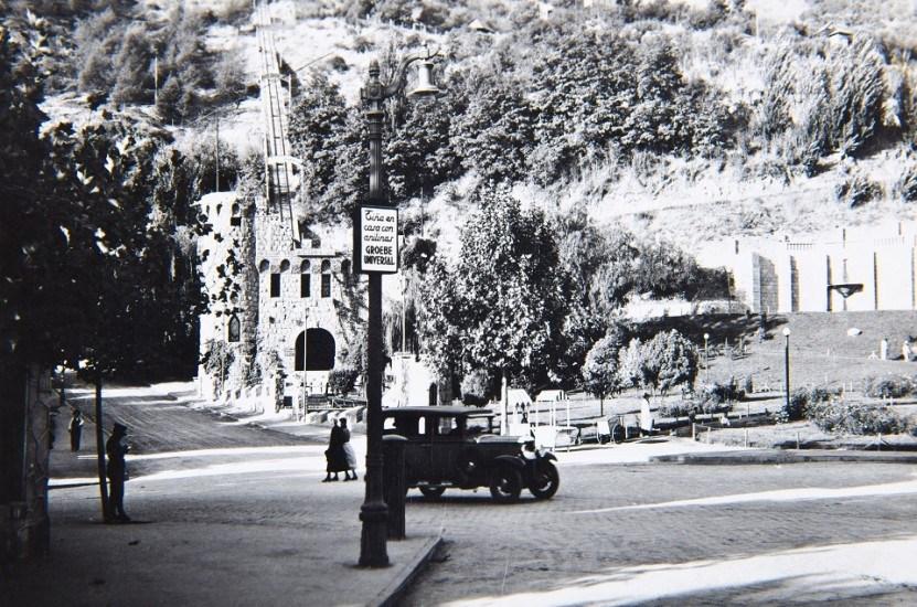 Enterreno - Fotos históricas de chile - fotos antiguas de Chile - Acceso al cerro San Cristóbal por calle Pío Nono, años 30s