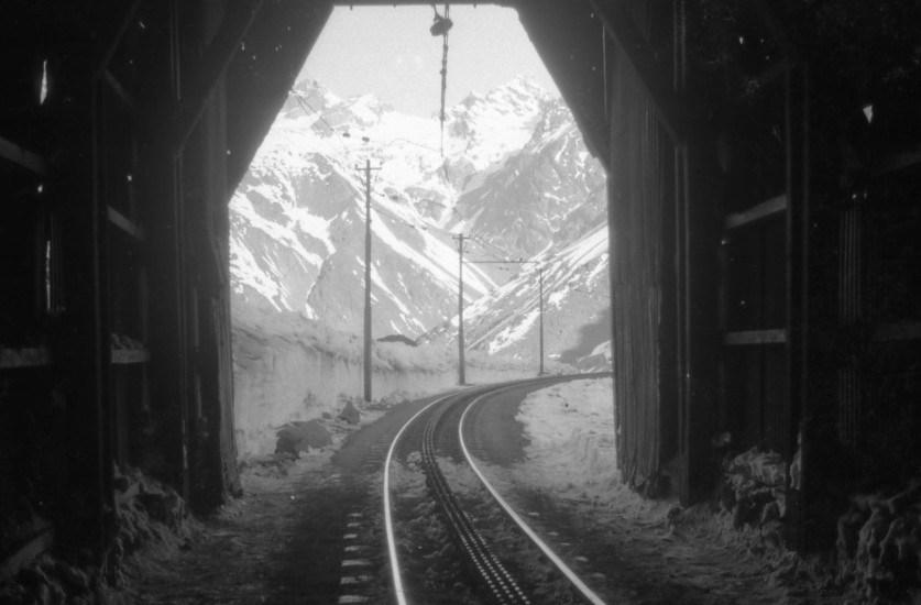 Enterreno - Fotos históricas de chile - fotos antiguas de Chile - Túnel del Tren Trasandino, Portillo, 1963