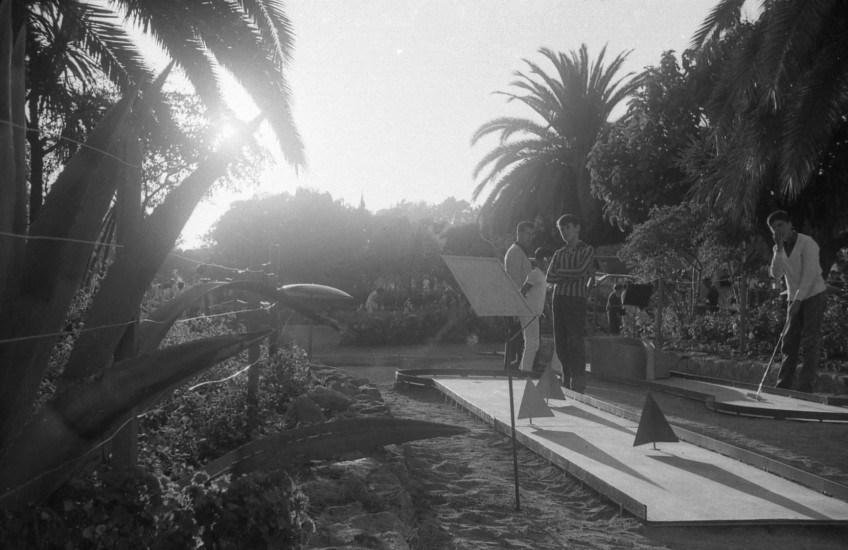 Enterreno - Fotos históricas de chile - fotos antiguas de Chile - Minigolf de Plaza Colombia, Viña del Mar, 1966