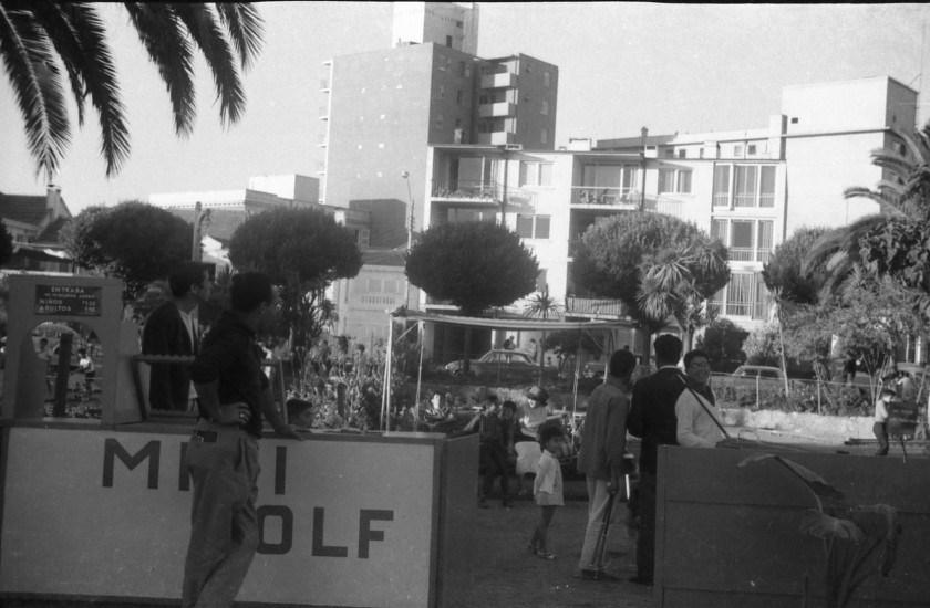 Enterreno - Fotos históricas de chile - fotos antiguas de Chile - Minigolf de Plaza Colombia, Viña del Mar, 1966