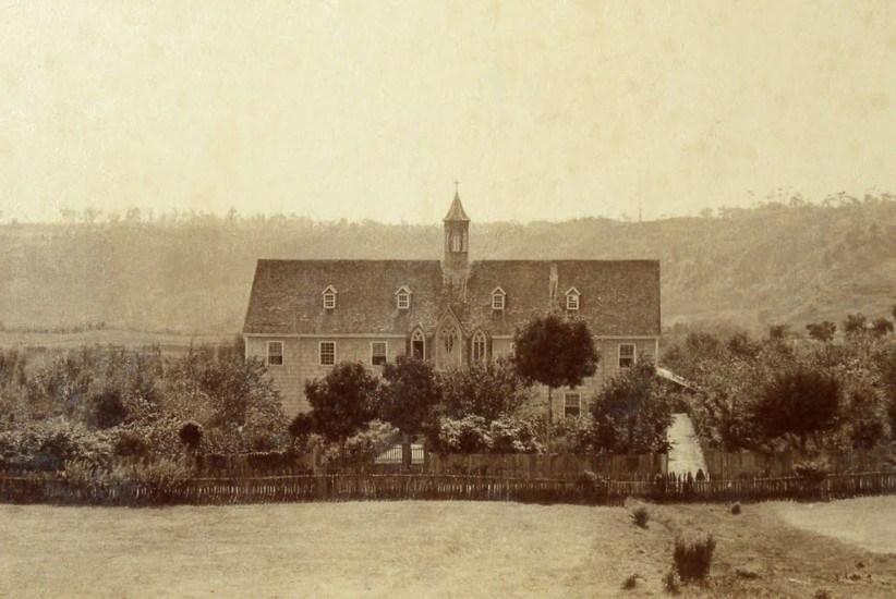 Enterreno - Fotos históricas de chile - fotos antiguas de Chile - Casona San José, Puerto Montt, 1893.