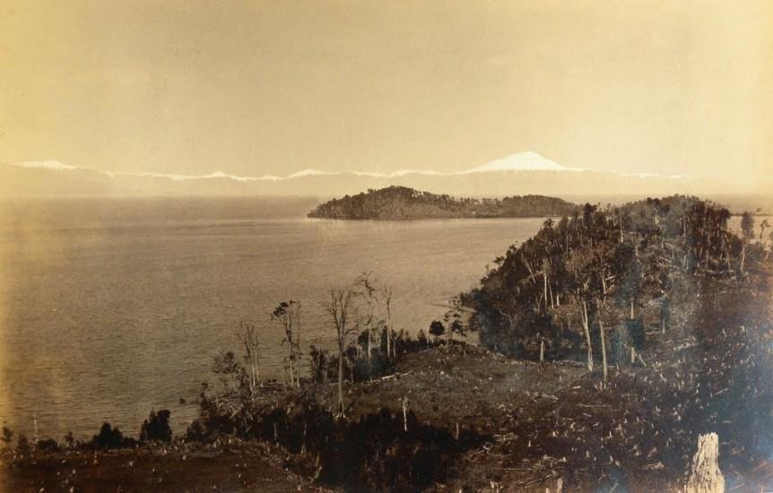 Enterreno - Fotos históricas de chile - fotos antiguas de Chile - Lago Llanquihue desde Puerto Octay, 1893.