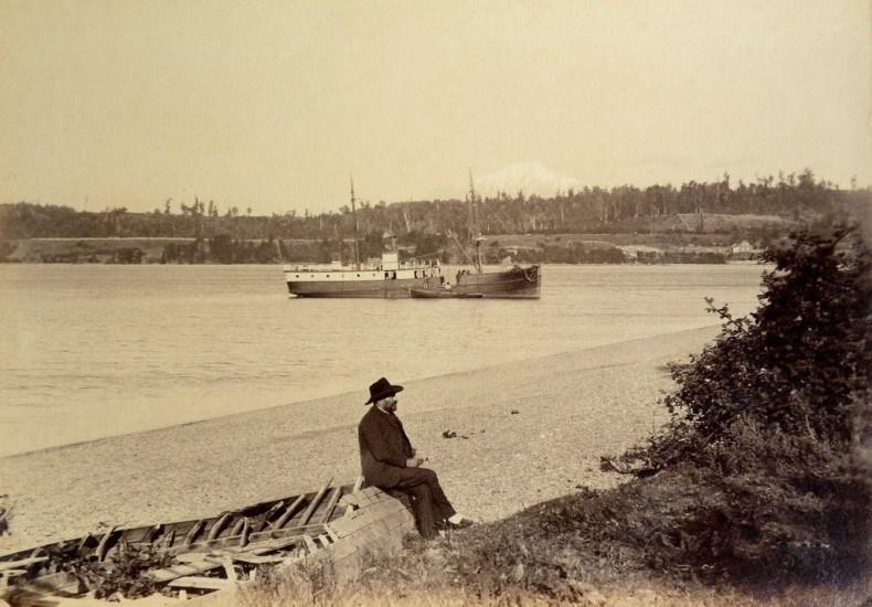 Enterreno - Fotos históricas de chile - fotos antiguas de Chile - Puerto Varas, el Calbuco y el Vapor Clara en 1893.