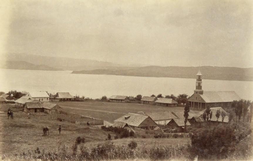 Enterreno - Fotos históricas de chile - fotos antiguas de Chile - Puqueldón, 1893.