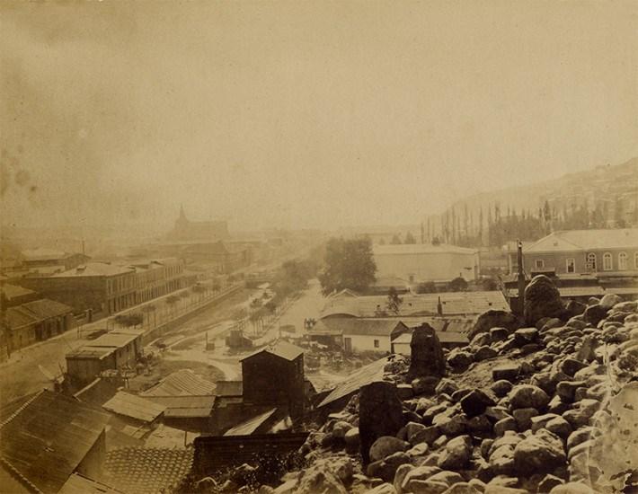 Enterreno - Fotos históricas de chile - fotos antiguas de Chile - Av. Argentina de Valparaíso, ca. 1870s