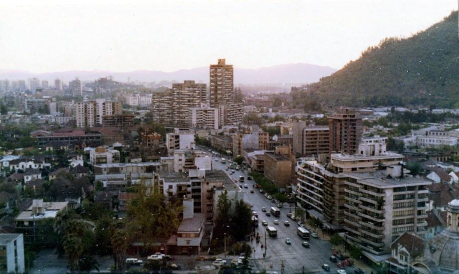 Enterreno - Fotos históricas de chile - fotos antiguas de Chile - Avenida Providencia en 1973