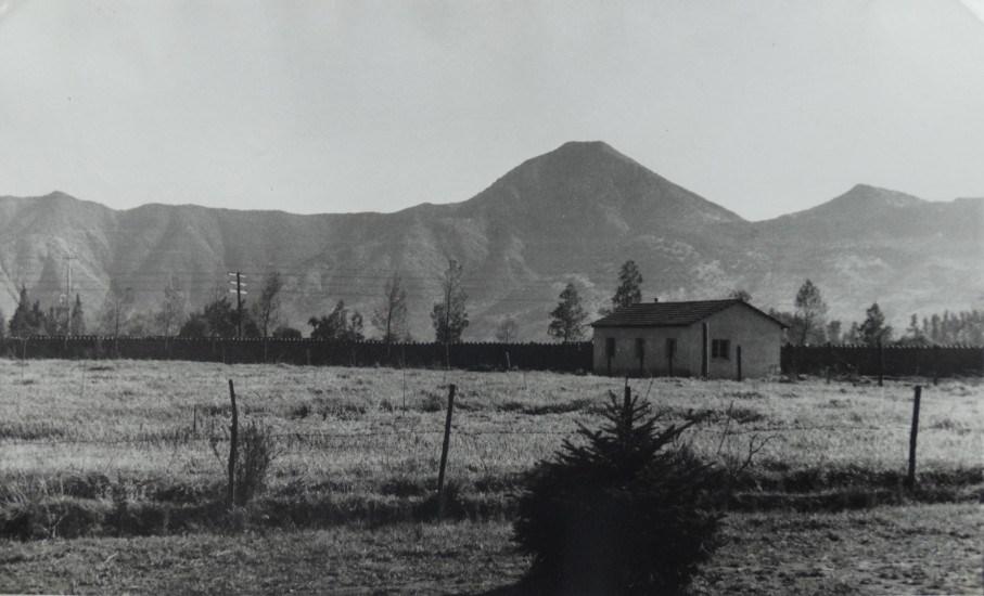 Enterreno - Fotos históricas de chile - fotos antiguas de Chile - Sector de Avda Las Condes con P. Hurtado en 1940