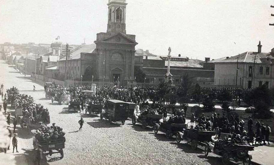 Enterreno - Fotos históricas de chile - fotos antiguas de Chile - Plaza Muñoz Gamero de Punta Arenas, 1920