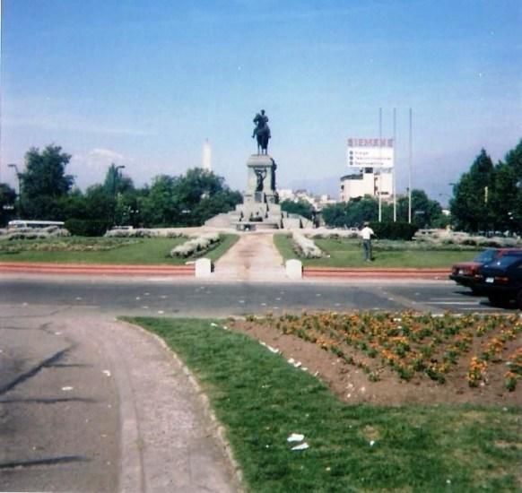 Enterreno - Fotos históricas de chile - fotos antiguas de Chile - Plaza Baquedano, 1993