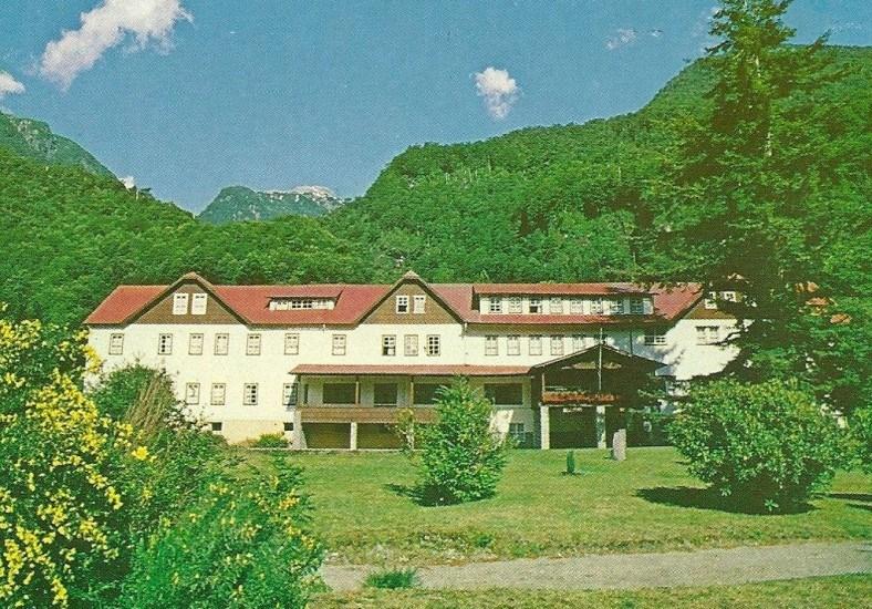 Enterreno - Fotos históricas de chile - fotos antiguas de Chile - Hotel Peulla 1987