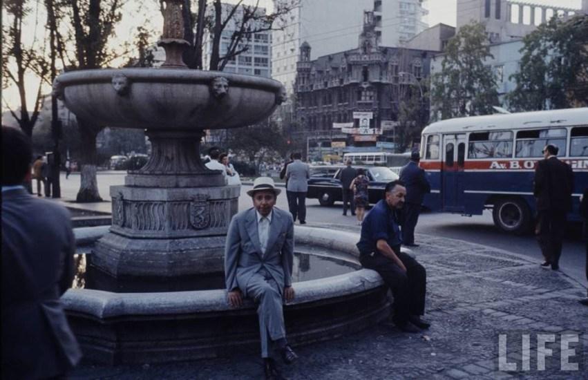 Enterreno - Fotos históricas de chile - fotos antiguas de Chile - Alrededores de la Alameda en 1973