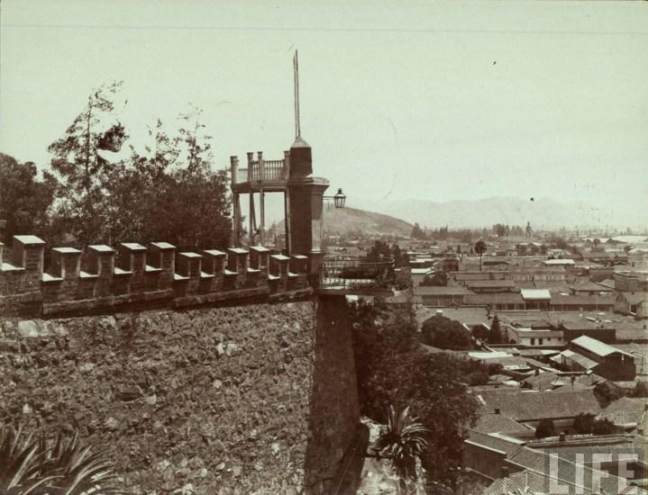 Enterreno - Fotos históricas de chile - fotos antiguas de Chile - Balcon del cerro santa lucia