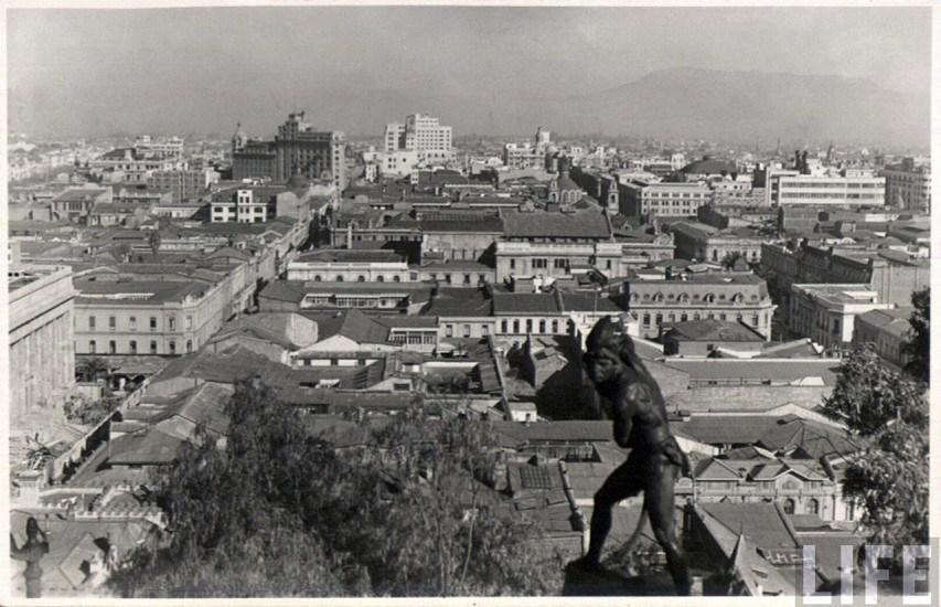 Enterreno - Fotos históricas de chile - fotos antiguas de Chile - Vista desde el Cerro Santa Lucía, años 30s