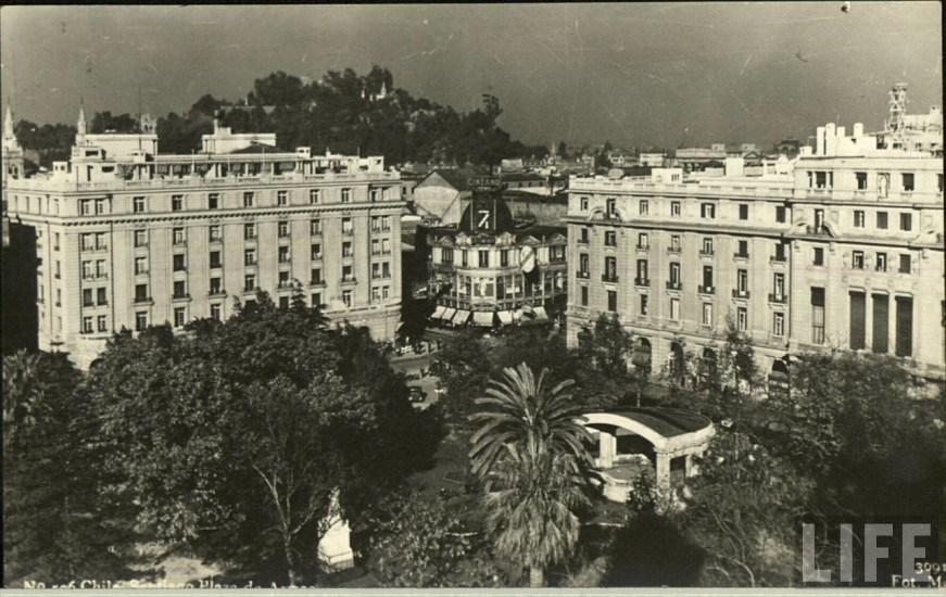 Enterreno - Fotos históricas de chile - fotos antiguas de Chile - Plaza de Armas 1930s