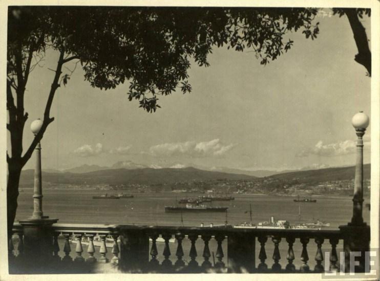Enterreno - Fotos históricas de chile - fotos antiguas de Chile - Paseo 21 de Mayo Valparaiso 1930s
