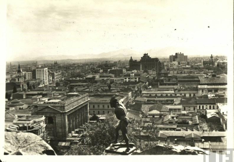 Enterreno - Fotos históricas de chile - fotos antiguas de Chile - Vista de Santiago desde Cerro Santa Lucía, ca. 1930