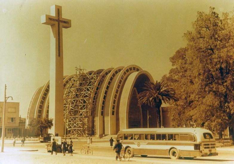 Enterreno - Fotos históricas de chile - fotos antiguas de Chile - Catedral de Chillán en los '40s