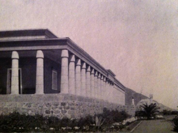 Enterreno - Fotos históricas de chile - fotos antiguas de Chile - Mansión Faraónica de Tanumé en los años 40's