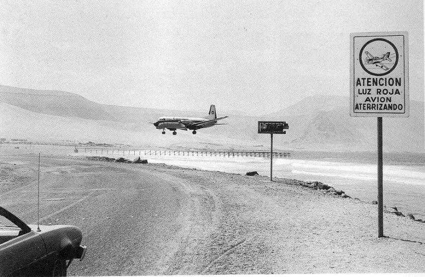 Enterreno - Fotos históricas de chile - fotos antiguas de Chile - Aeropuerto en Cavancha 1979