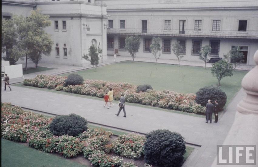 Enterreno - Fotos históricas de chile - fotos antiguas de Chile - Patio de los Naranjos en 1971