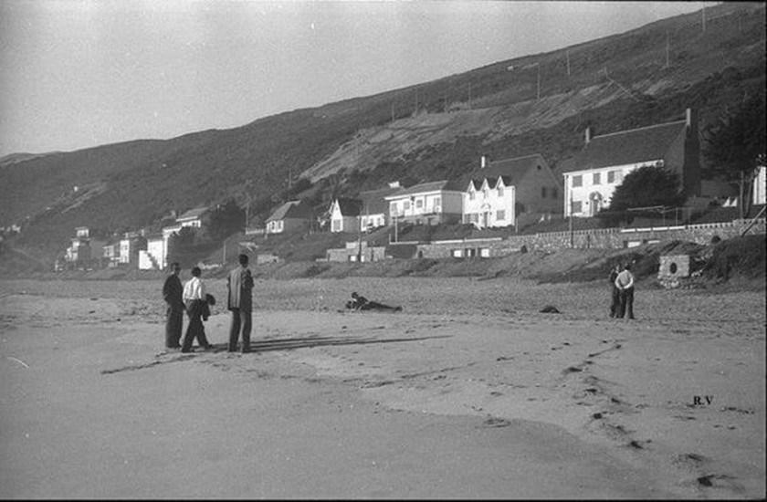 Enterreno - Fotos históricas de chile - fotos antiguas de Chile - Playa de Reñaca en 1950