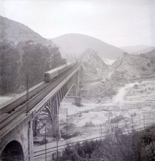 Enterreno - Fotos históricas de chile - fotos antiguas de Chile - Puente las Cucharas, ca. 1955