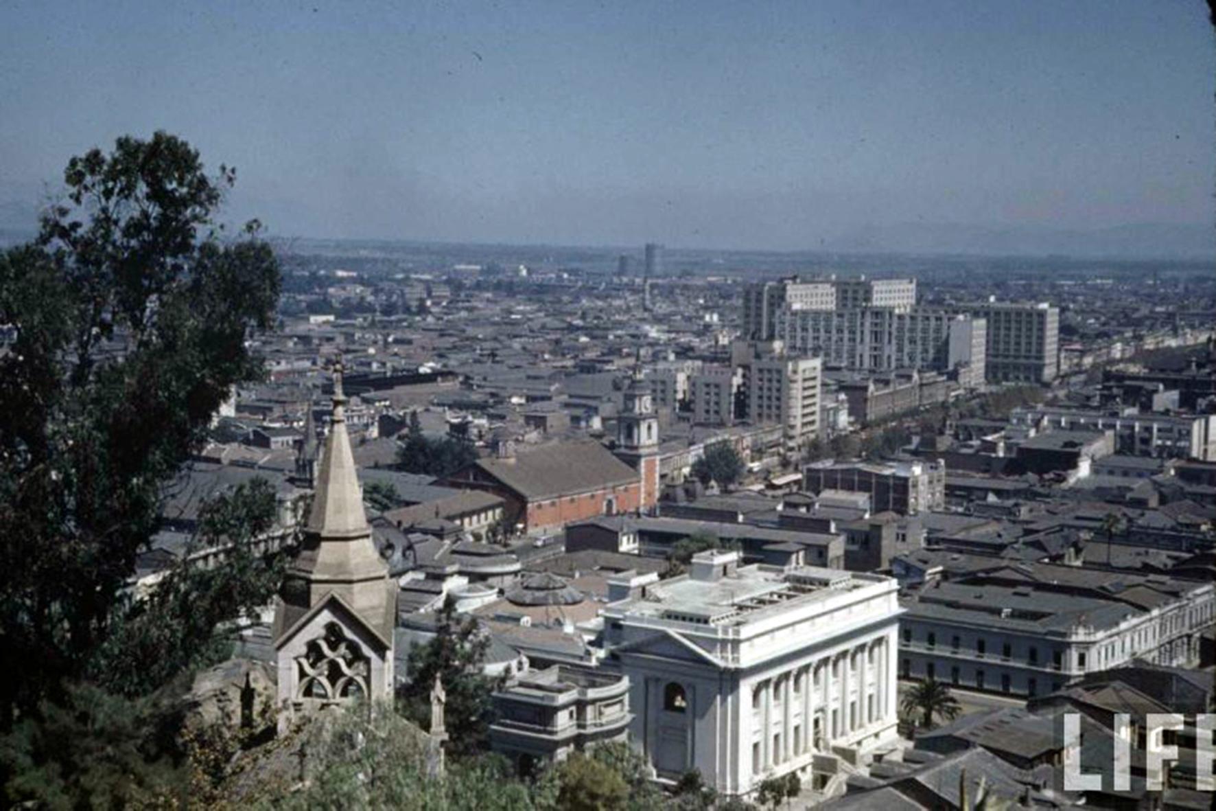 Enterreno - Fotos históricas de chile - fotos antiguas de Chile - Vista de Santiago desde el cerro Santa Lucía en 1941
