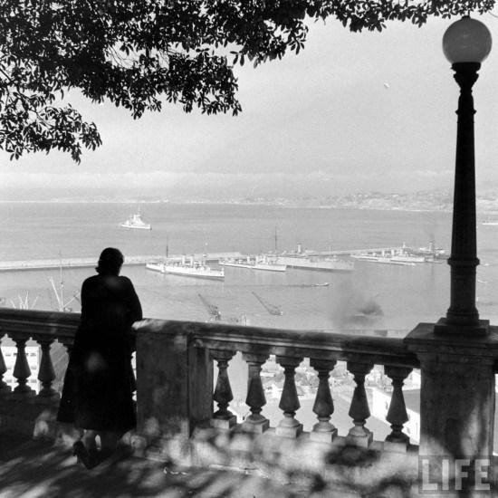Enterreno - Fotos históricas de chile - fotos antiguas de Chile - Vista bahía de Valparaiso desde el paseo 21 de Mayo, 1941