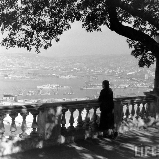 Enterreno - Fotos históricas de chile - fotos antiguas de Chile - Paseo 21 de Mayo de Valparaíso en 1941
