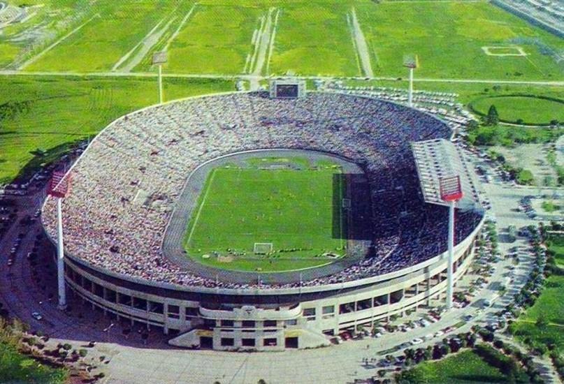 Enterreno - Fotos históricas de chile - fotos antiguas de Chile - El Estadio Nacional de Chile, 1968