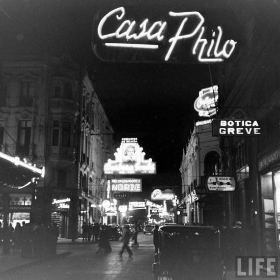 Enterreno - Fotos históricas de chile - fotos antiguas de Chile - Huérfanos esquina Ahumada en 1941