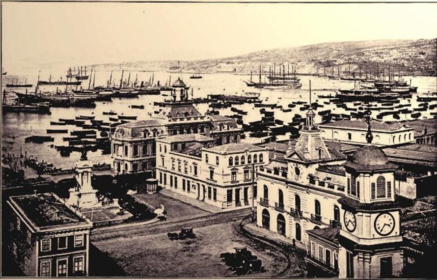 Enterreno - Fotos históricas de chile - fotos antiguas de Chile - El Puerto de Valparaíso alrededor de 1880