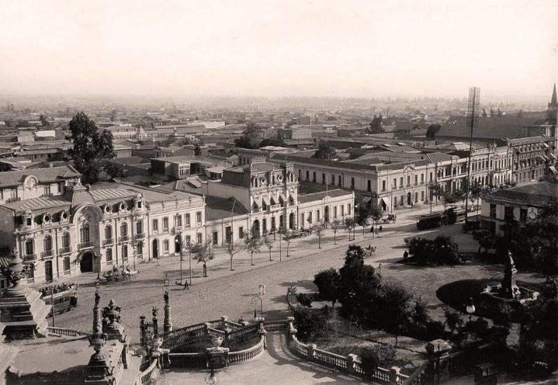 Enterreno - Fotos históricas de chile - fotos antiguas de Chile - Vista desde el Cerro Santa Lucía en 1910