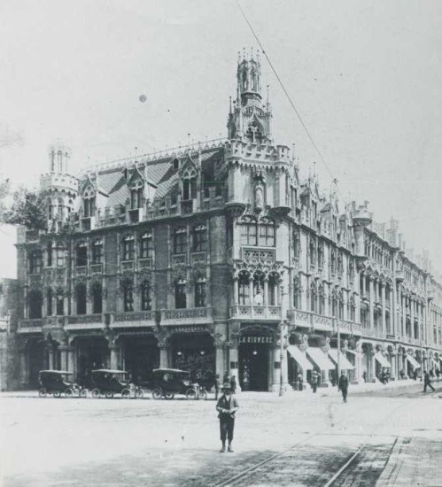 Enterreno - Fotos históricas de chile - fotos antiguas de Chile - El desaparecido Palacio Undurraga en los años 20's
