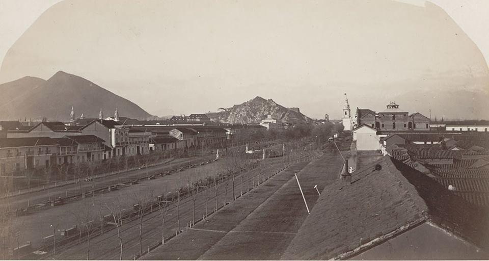 Enterreno - Fotos históricas de chile - fotos antiguas de Chile - Irreconocible: La Alameda de Santiago en el año 1867