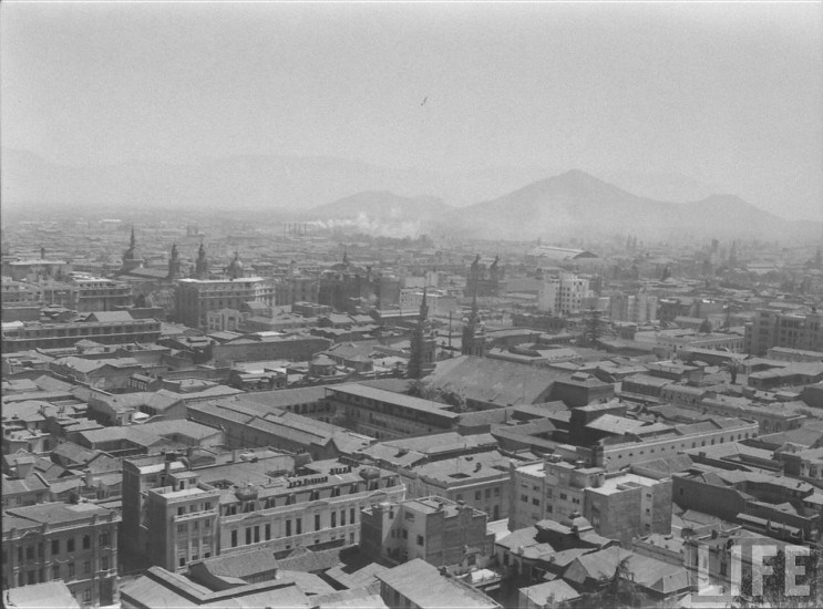 Enterreno - Fotos históricas de chile - fotos antiguas de Chile - Vista centro santiago desde santa lucia 1941