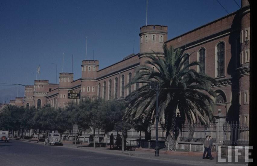 Enterreno - Fotos históricas de chile - fotos antiguas de Chile - Calle blanco encalada 1941