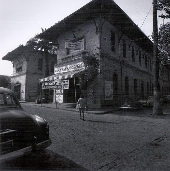 Enterreno - Fotos históricas de chile - fotos antiguas de Chile - Actual facultad de Arquitectura y Urbanismo de la Universidad de Chile en 1970