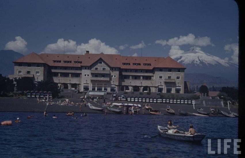 Enterreno - Fotos históricas de chile - fotos antiguas de Chile - El Gran Hotel Pucón en el año 1941.