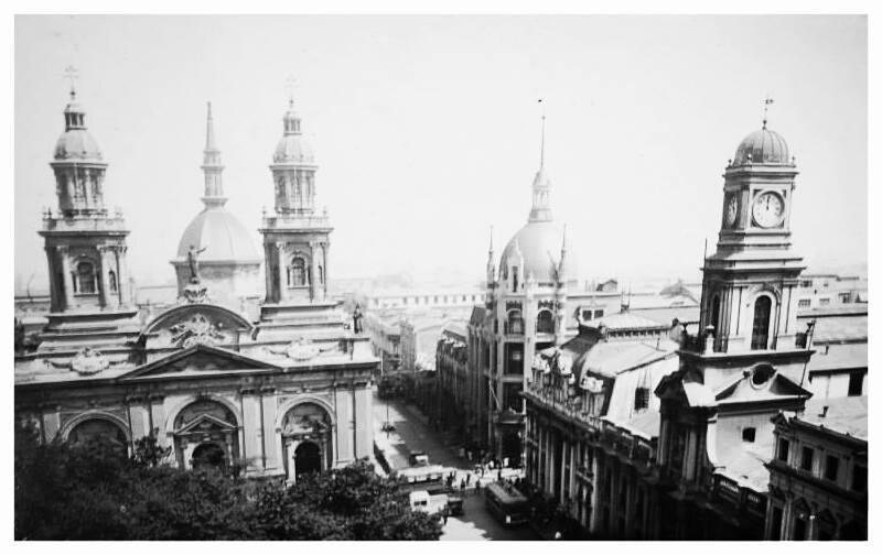Enterreno - Fotos históricas de chile - fotos antiguas de Chile - Plaza de Armas de Santiago posterior al año 1910.