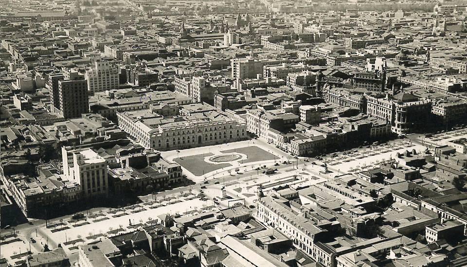 Enterreno - Fotos históricas de chile - fotos antiguas de Chile - Gran perspectiva del Barrio Cívico de Santiago desde el aire en el año 1932.