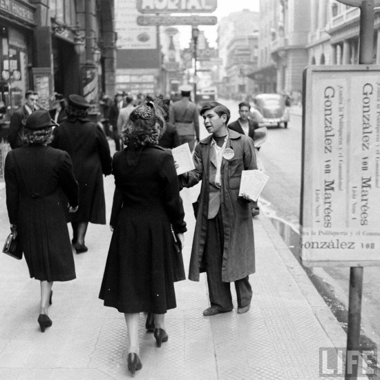 Enterreno - Fotos históricas de chile - fotos antiguas de Chile - Centro de Santiago en el año 1941.