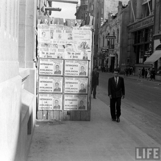 Enterreno - Fotos históricas de chile - fotos antiguas de Chile - Calle Bandera de Santiago en el año 1941.