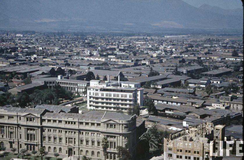 Enterreno - Fotos históricas de chile - fotos antiguas de Chile - Vista desde Cerro Santa Lucía en el año 1941.