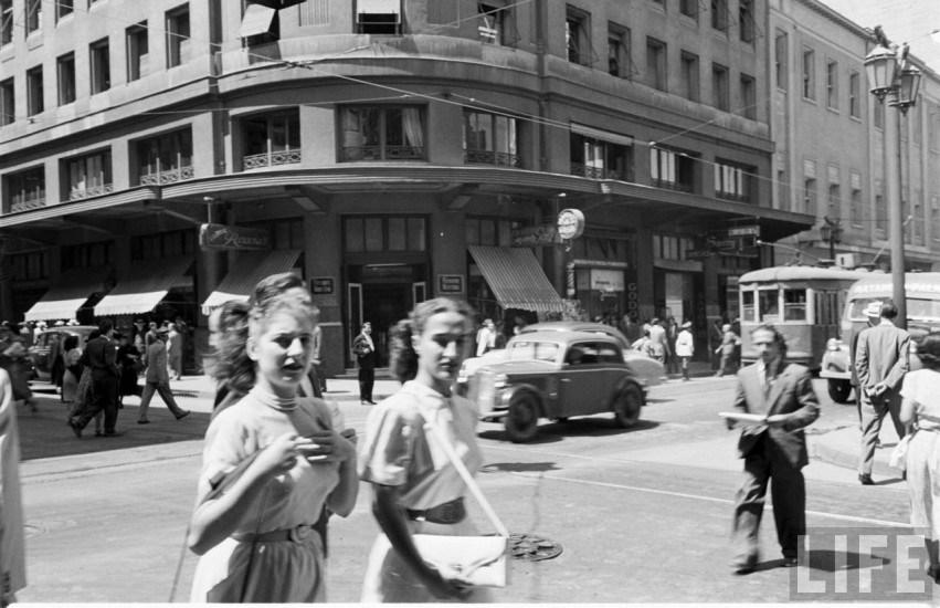 Enterreno - Fotos históricas de chile - fotos antiguas de Chile - Centro de Santiago en año 1950