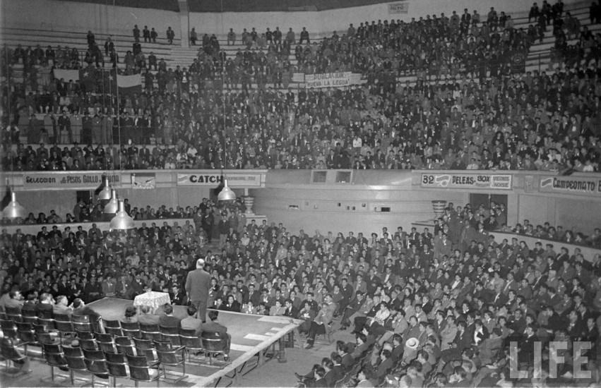 Enterreno - Fotos históricas de chile - fotos antiguas de Chile - Teatro Caupolicán de Santiago en el año 1950