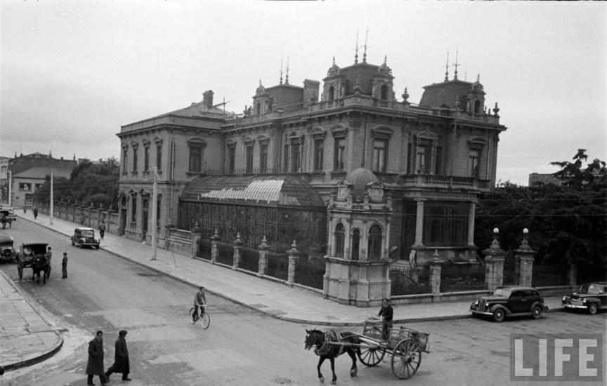 Enterreno - Fotos históricas de chile - fotos antiguas de Chile - Palacio Sara Braun de Punta Arenas en el año 1950