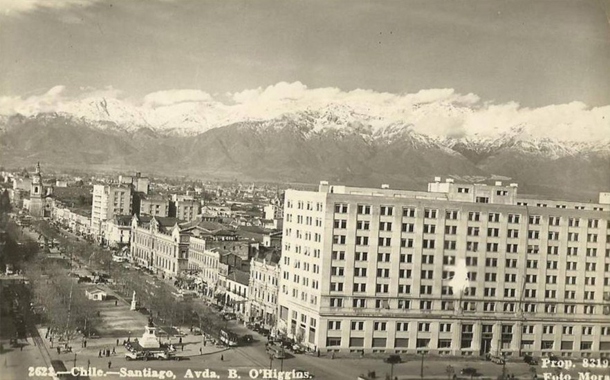 Enterreno - Fotos históricas de chile - fotos antiguas de Chile - Alameda y Barrio Cívico alrededor de 1940.