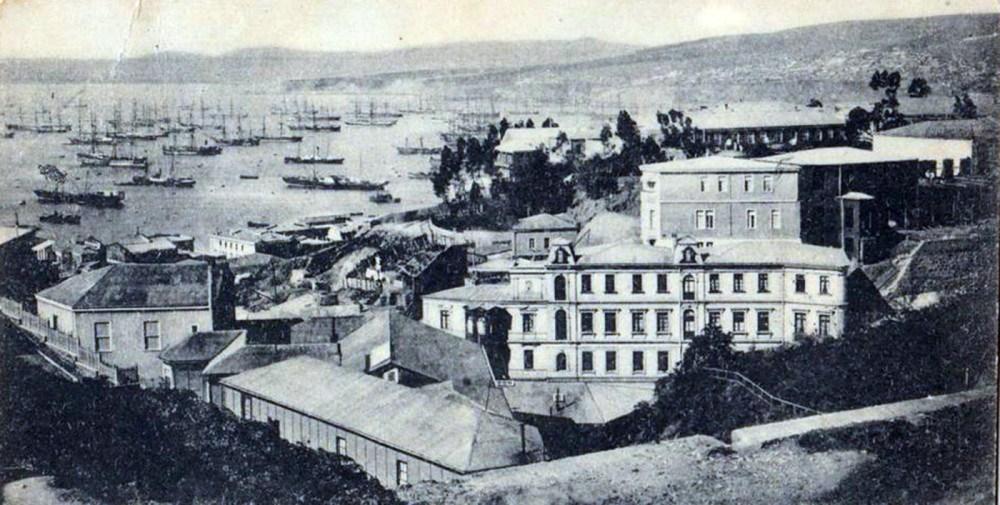 Enterreno - Fotos históricas de chile - fotos antiguas de Chile - Bahía de Valparaíso, 1899.